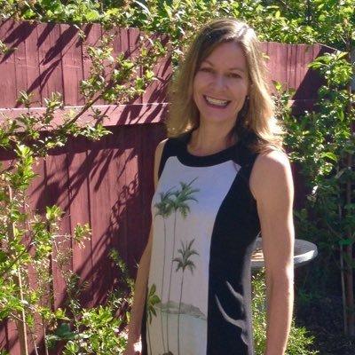 Lili de Luxe | Social Profile
