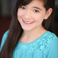 Chloe Noelle | Social Profile