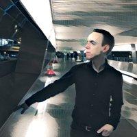 Robert Sharl | Social Profile