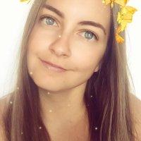 Mademoiselle Lala | Social Profile