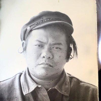 Quang Le Social Profile