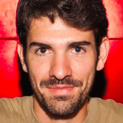 Víctor Gómez | Social Profile
