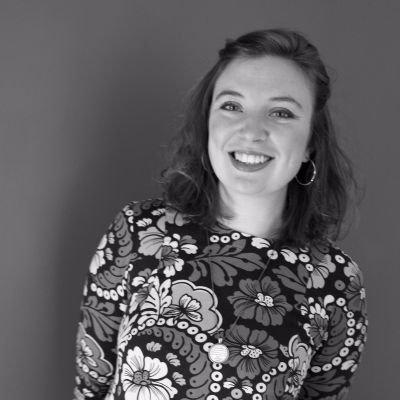 Rebecca Hunt | Social Profile