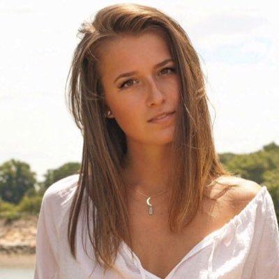 Jess Cavs | Social Profile