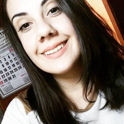 Joyce Costa Social Profile