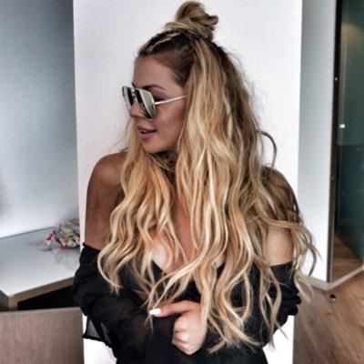 Lara C kay | Social Profile