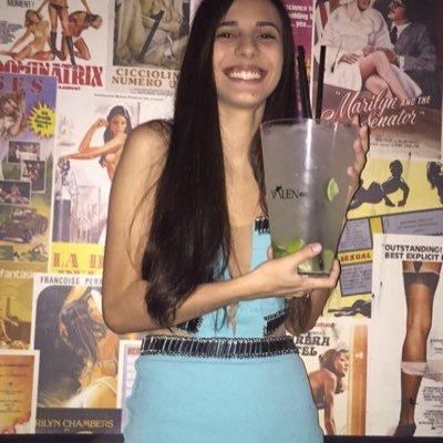 Natália Pimentel Social Profile