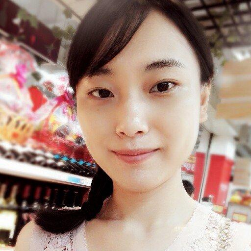 萌妈小可 Social Profile