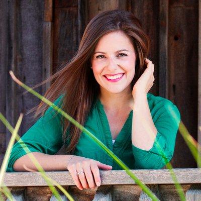 Amanda Bast | Social Profile