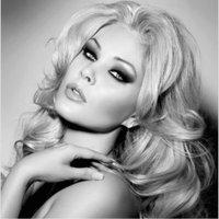 Shanna Moakler | Social Profile