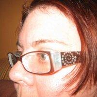Julia Carlis   Social Profile