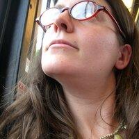 Helen Fields | Social Profile