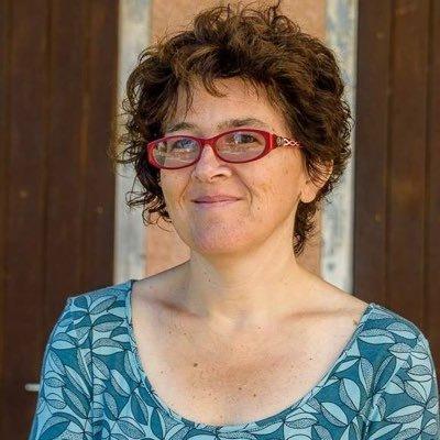 Liz Castro Social Profile