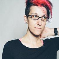 Nicole Aptekar | Social Profile