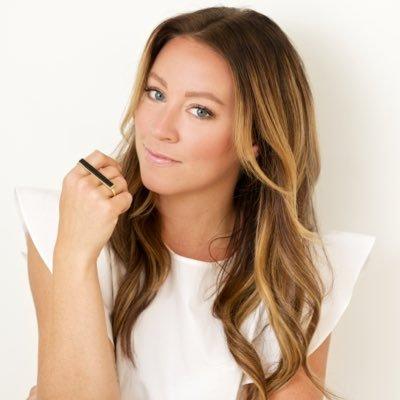 Amanda Hamilton Social Profile