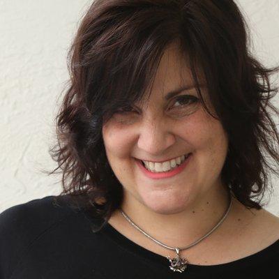 Dr Shelley Gruendler   Social Profile
