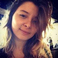 Fernanda Campos | Social Profile
