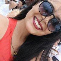 Anna Carolina | Social Profile