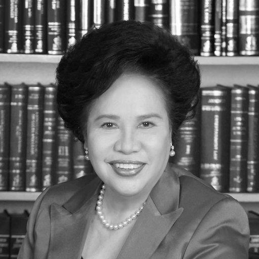 Miriam Santiago Social Profile