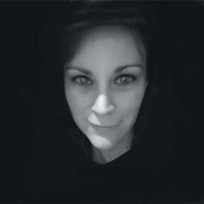 Vicki | Social Profile