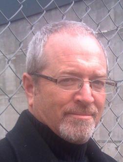 Tom Wark Social Profile