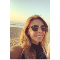 Stephanie Szyfer | Social Profile