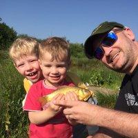 @fishingfamilyuk