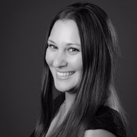 Alexandra Guth   Social Profile