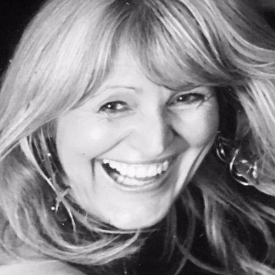 Tracy Thomas   Social Profile