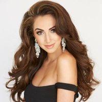 Stefanie Naylor | Social Profile