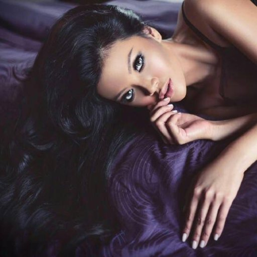 Farah Quinn Social Profile