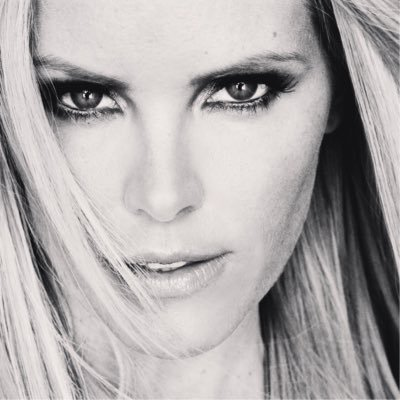Gena Lee Nolin Social Profile