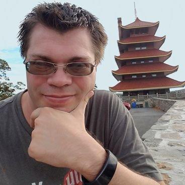 Phil Nolan (フィル) | Social Profile