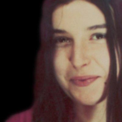 EvⒶngelina Oliveira   Social Profile