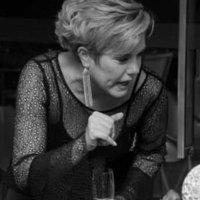 Kely Cristina Moura | Social Profile