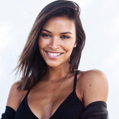 Vanessa Curry Social Profile
