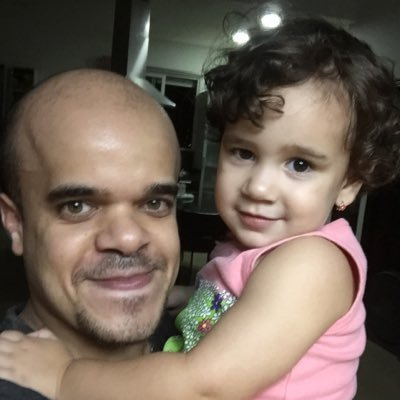 OMAR FERNÁNDEZ | Social Profile