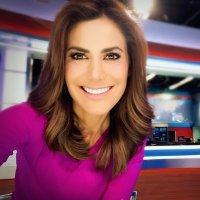 VANESSA HAUC | Social Profile