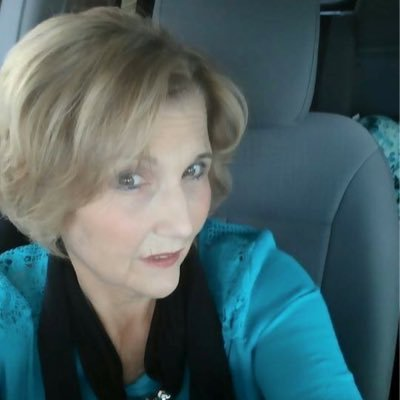 Elaine VonCannon | Social Profile