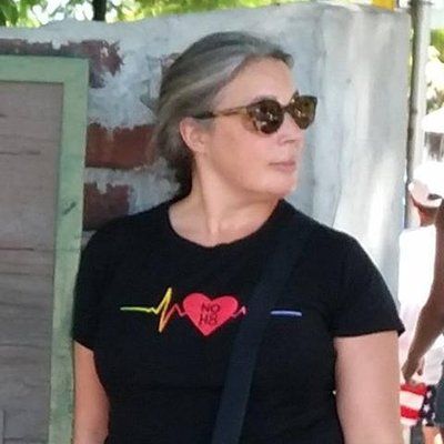 Chia Evers | Social Profile