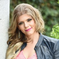 DOMENICA MENA | Social Profile