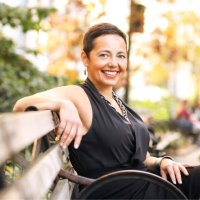Leanne Stella | Social Profile