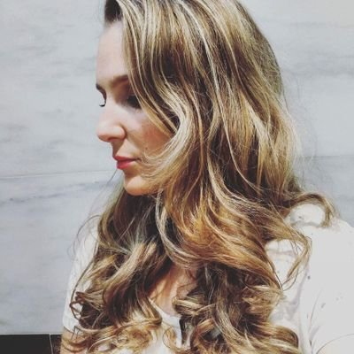 Vivian | Social Profile