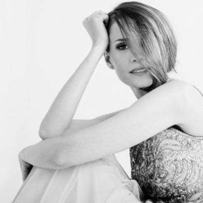 Elena ballesteros Social Profile