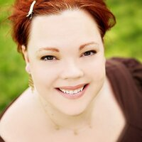 Heather Snow   Social Profile