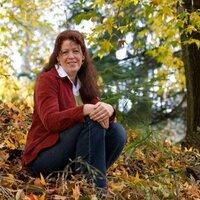 Deb Bauer   Social Profile