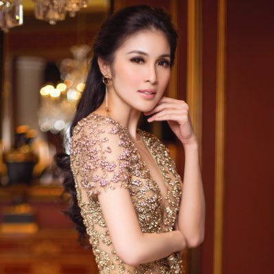 Sandra Dewi Social Profile