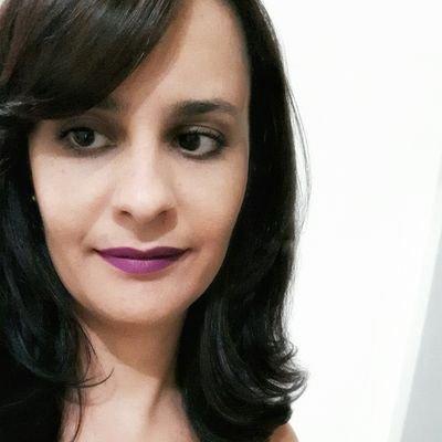 Carol Aleixo | Social Profile