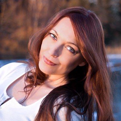 Isabelle Schou | Social Profile