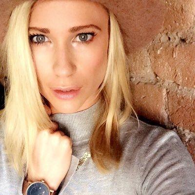 Halle Carlson | Social Profile
